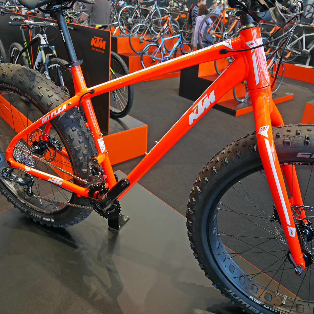 KTM_Fat-Flea_aluminum-fat-bike_driveside-frame-detail